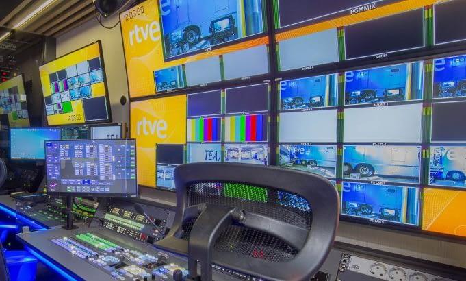 Suministro equipos audiovisuales para Unitecnic